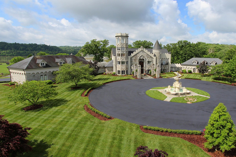 this week s five most popular listings a castle is king