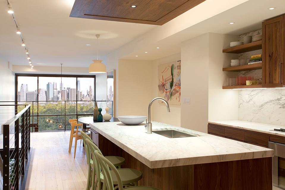 Las cocinas en las unidades de Pierhouse tendrán mostradores de mármol Calacatta Tucci, gabinetes de