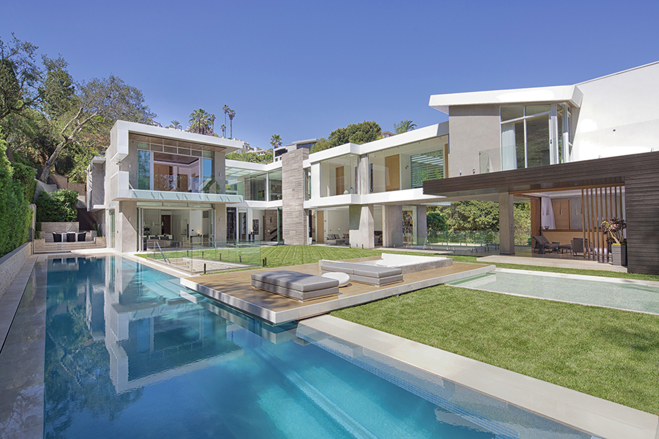 Listing Of The Day A Hollywood Home With An Aquarium Like Swimming Pool Mansion Global
