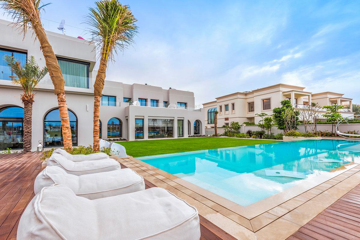 Dubai s bottom in sight mansion global for Dubai luxury homes photos