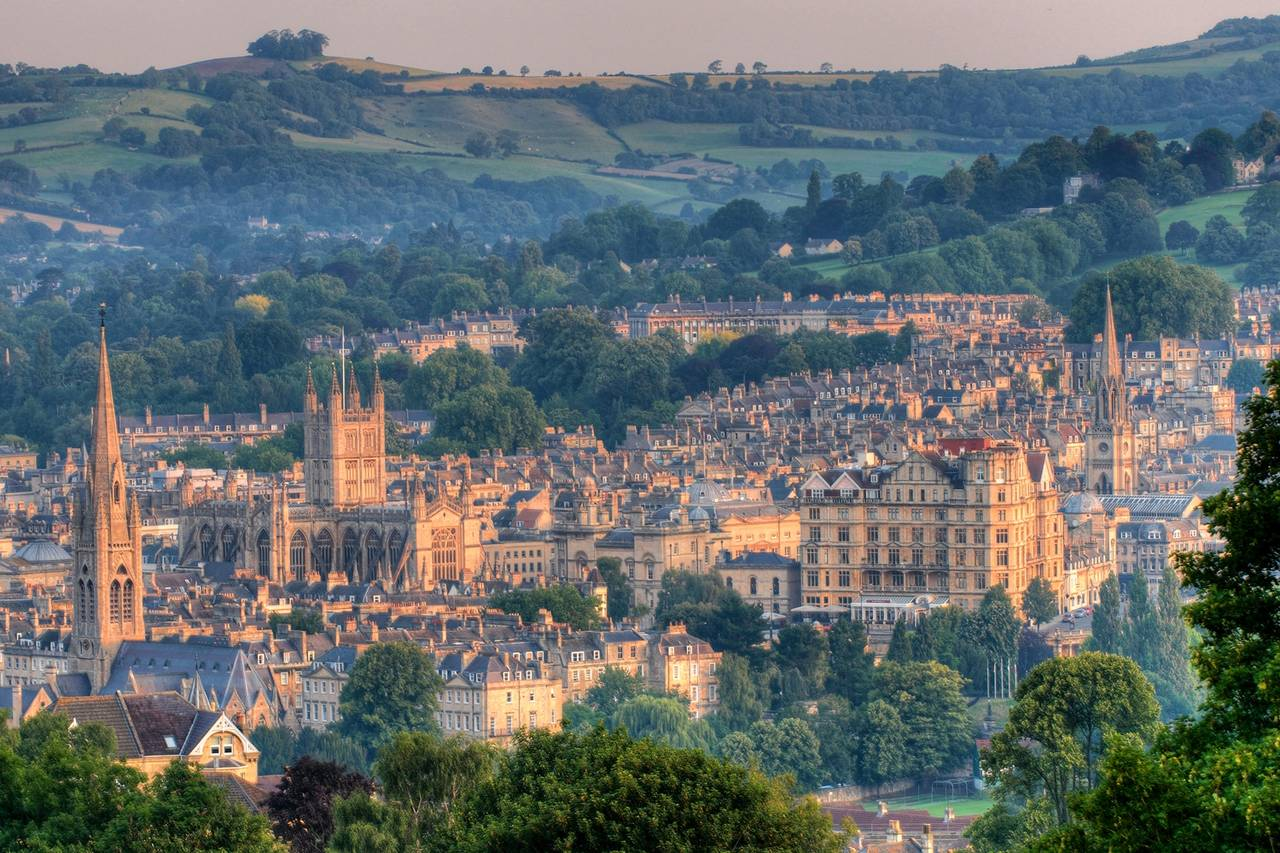 Londoners Beat A Path To Bath Mansion Global