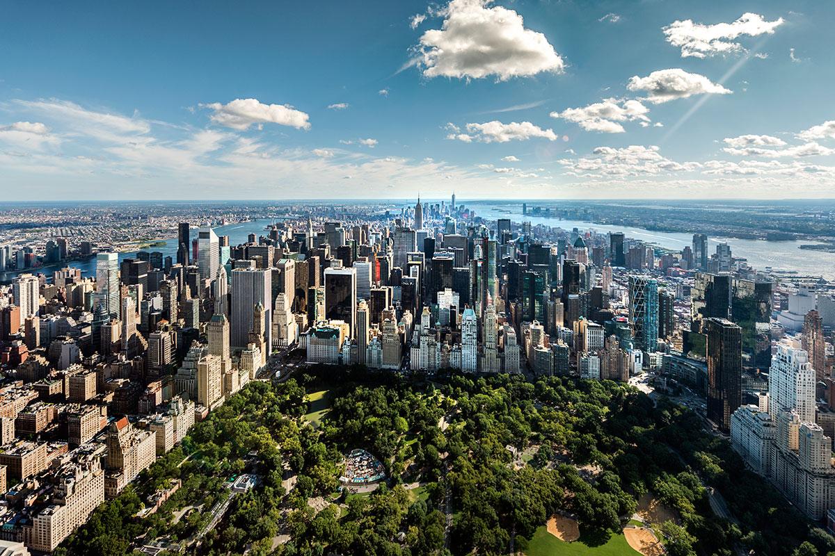2015年11月,在曼哈顿和迈阿密戴德县所有的独户住宅和共管公寓销售中,现金交易的份额分别高达63.34%和62.62%。