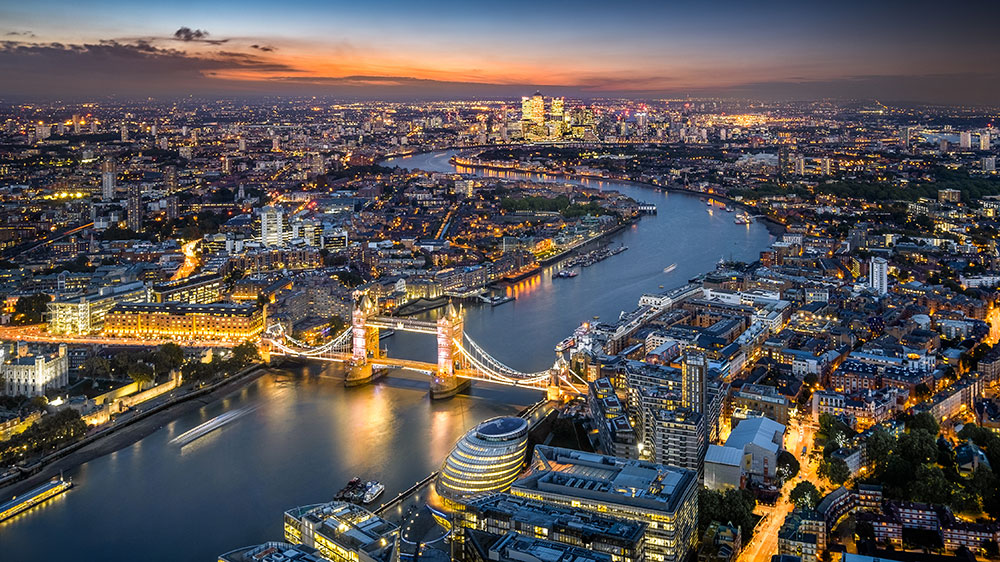 London. 2017 Luxury Real Estate Outlook  Race for Dollar Buyers Amid