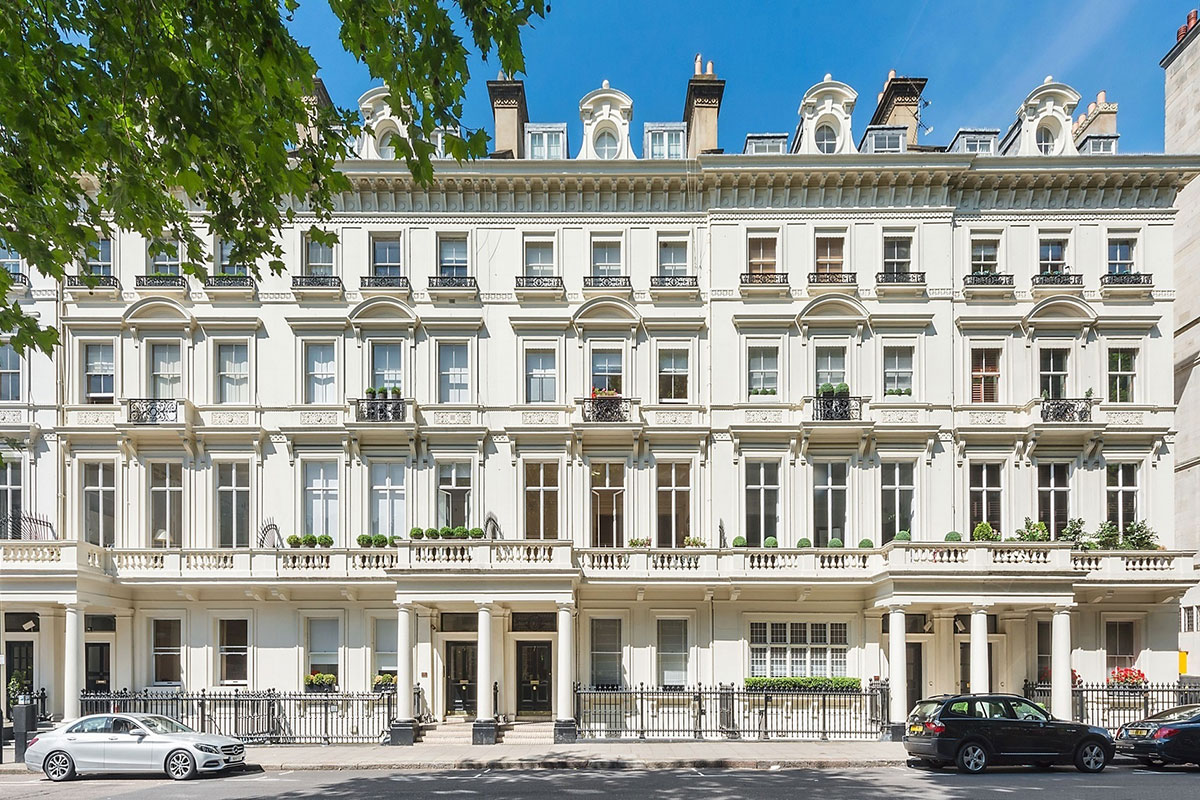Hard Up Oligarchs Find Luxury Homes in London out of Reach
