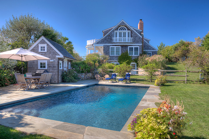 Naomi Watts and Liev Schrieber's new Montauk manse