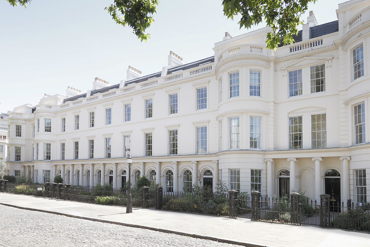 London s luxury home prices fall again in q1 mansion global for Mansion house price