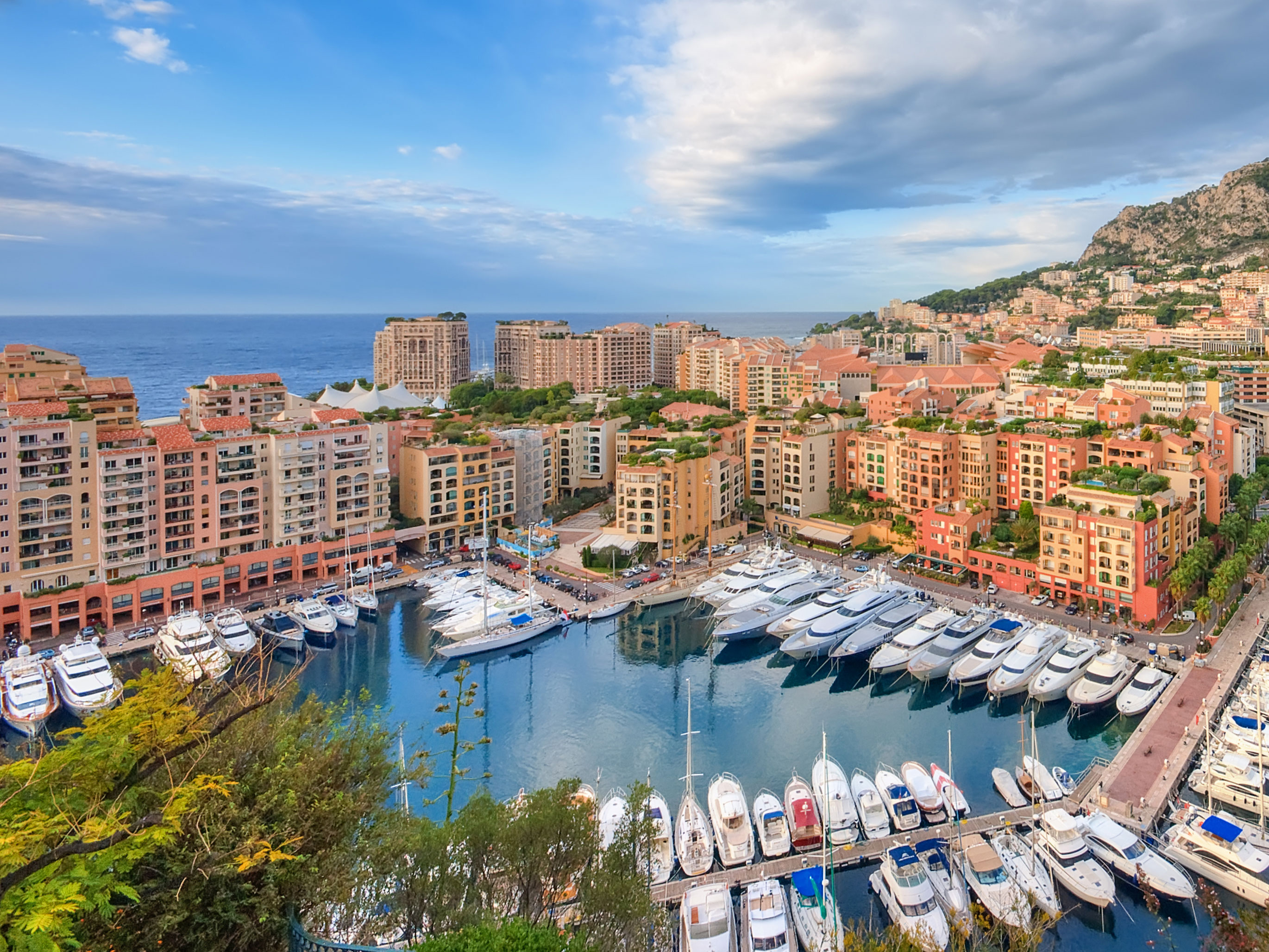In Monaco 3 Luxurious Apartments Close To The Grand Prix