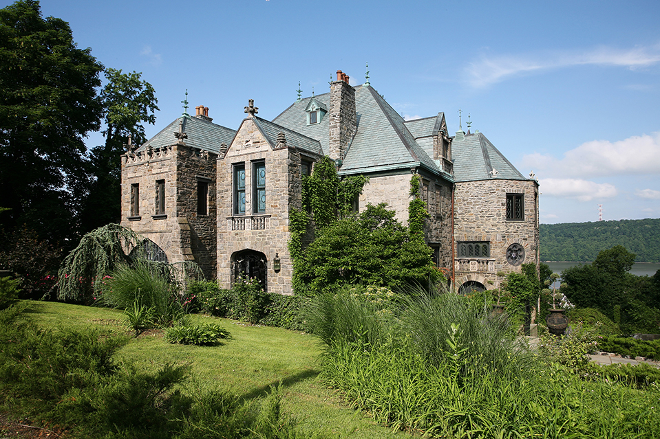 23846 Listing Of The Day A Castle With A Career Set In Yonkers on English Style House Plans