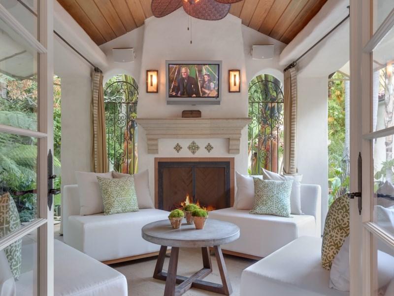 完美融合室内和室外空间的户外凉亭。