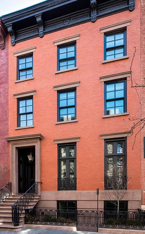 这栋联排别墅位于西村西11街。(图片来源:Dolly Lenz Real Estate)