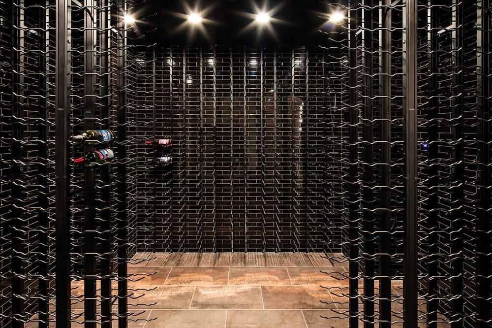 房屋底层建有一个酒窖。(图片来源:Dolly Lenz Real Estate)