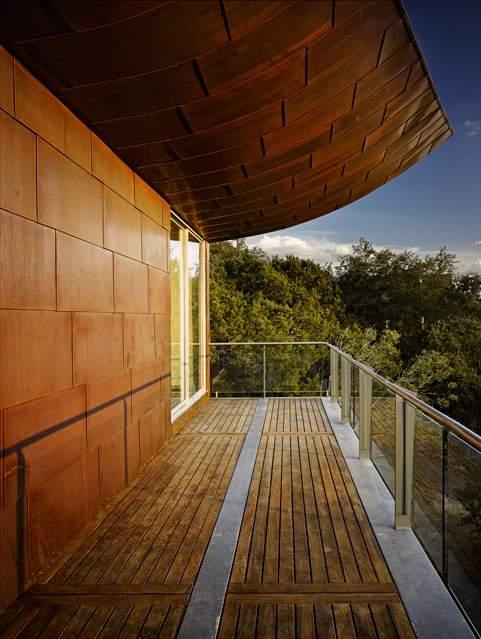 铜板质外墙和飞檐。KUPER SOTHEBY'S INTERNATIONAL REALTY