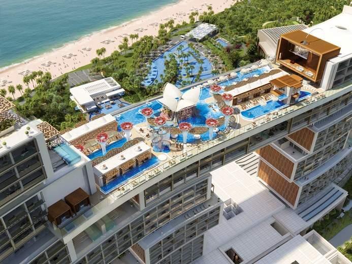 The Royal Atlantis sky pool & lounge.