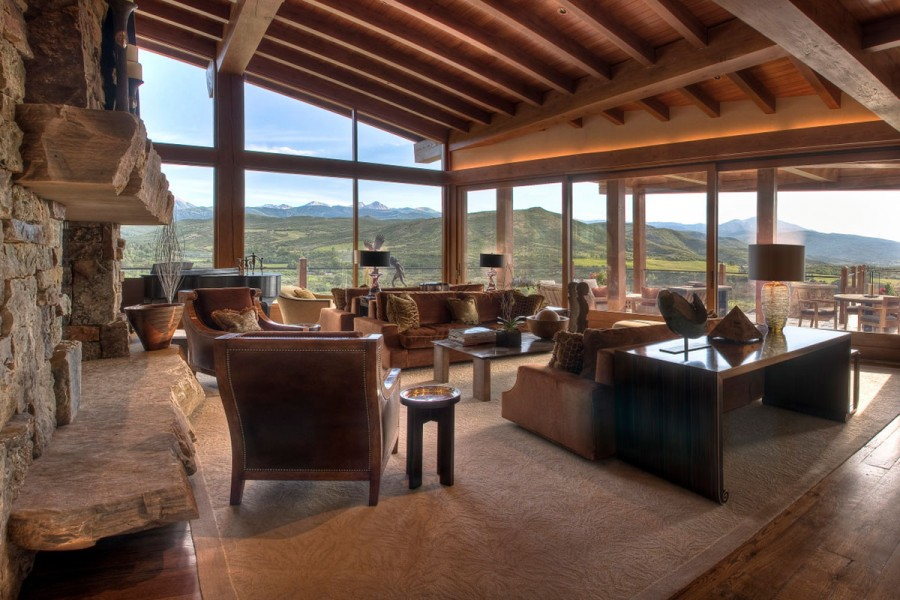 The private Four Peaks Ranch offers 18,000-square-feet of holiday retreat, nestled high in the Rocky Mountains.