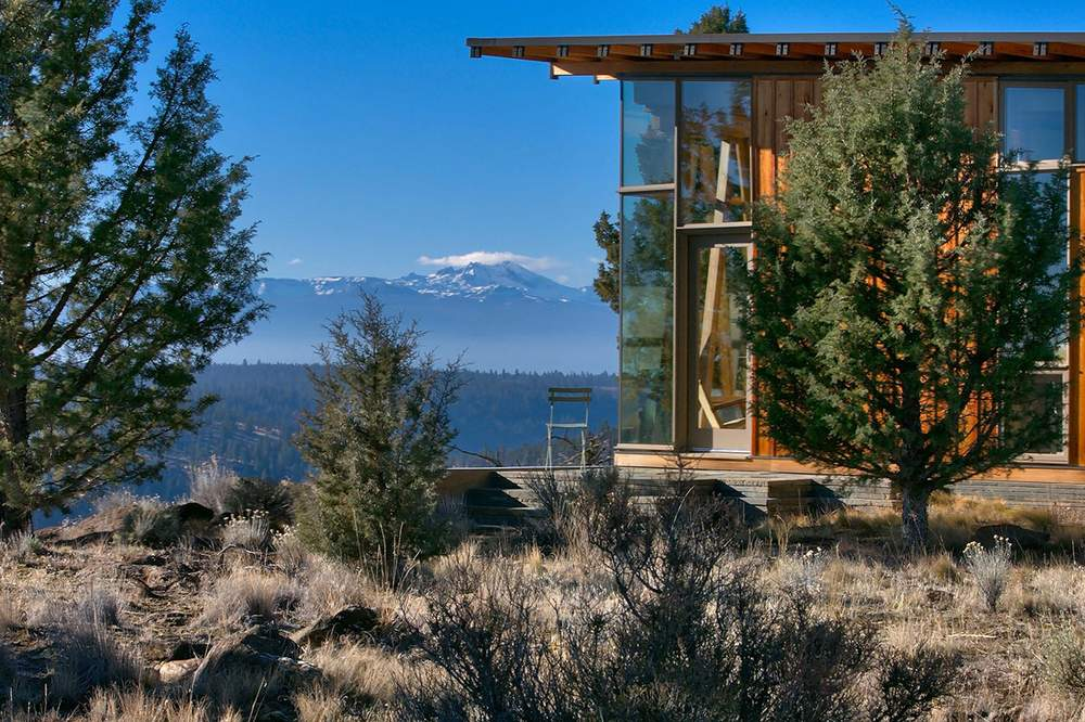 房主Monteiro表示,尽管许多人都喜爱俄勒冈的夏季,但他却认为峡谷在其他季节里更具魅力。Cascade Sothebys International Realty