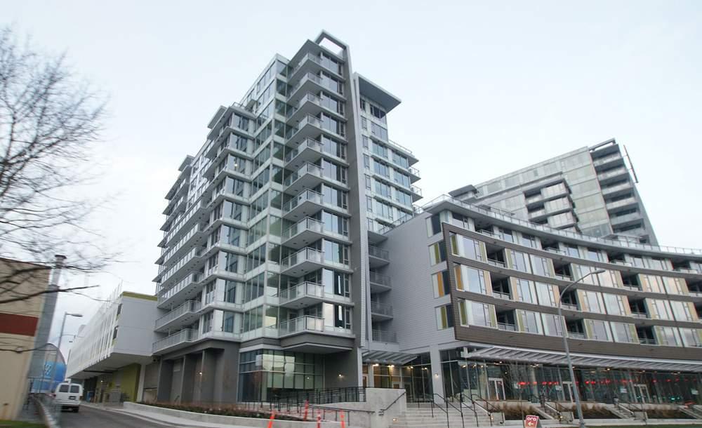 住宅楼外观。公寓位于七层。(图片来源:RE\/MAX Austin Kay Realty)