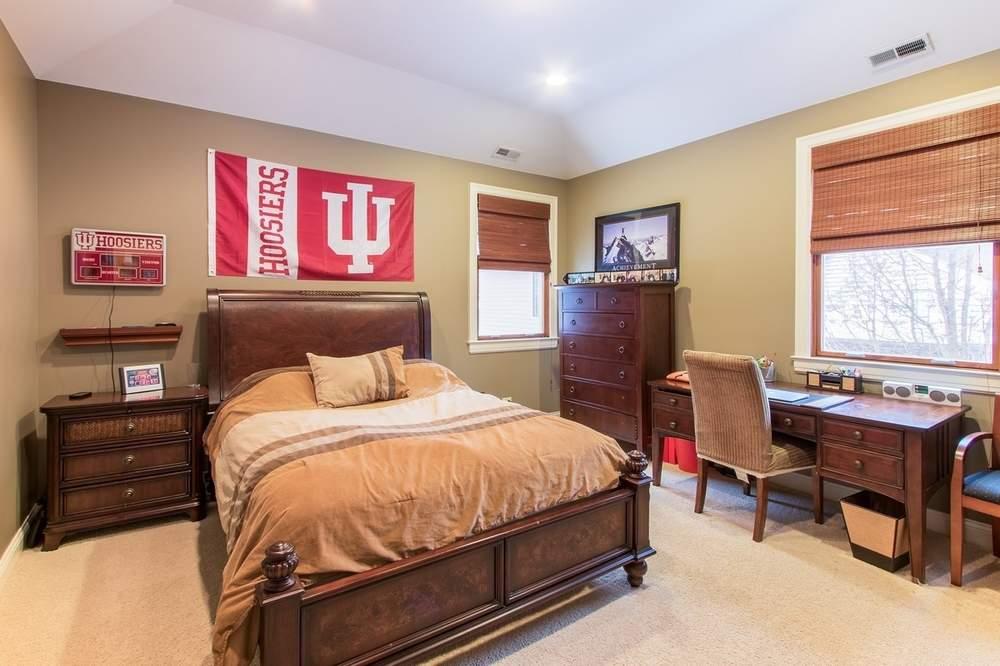 房屋共有五间卧室,图为卧室之一。(图片来源:Jameson Sotheby's International Realty)