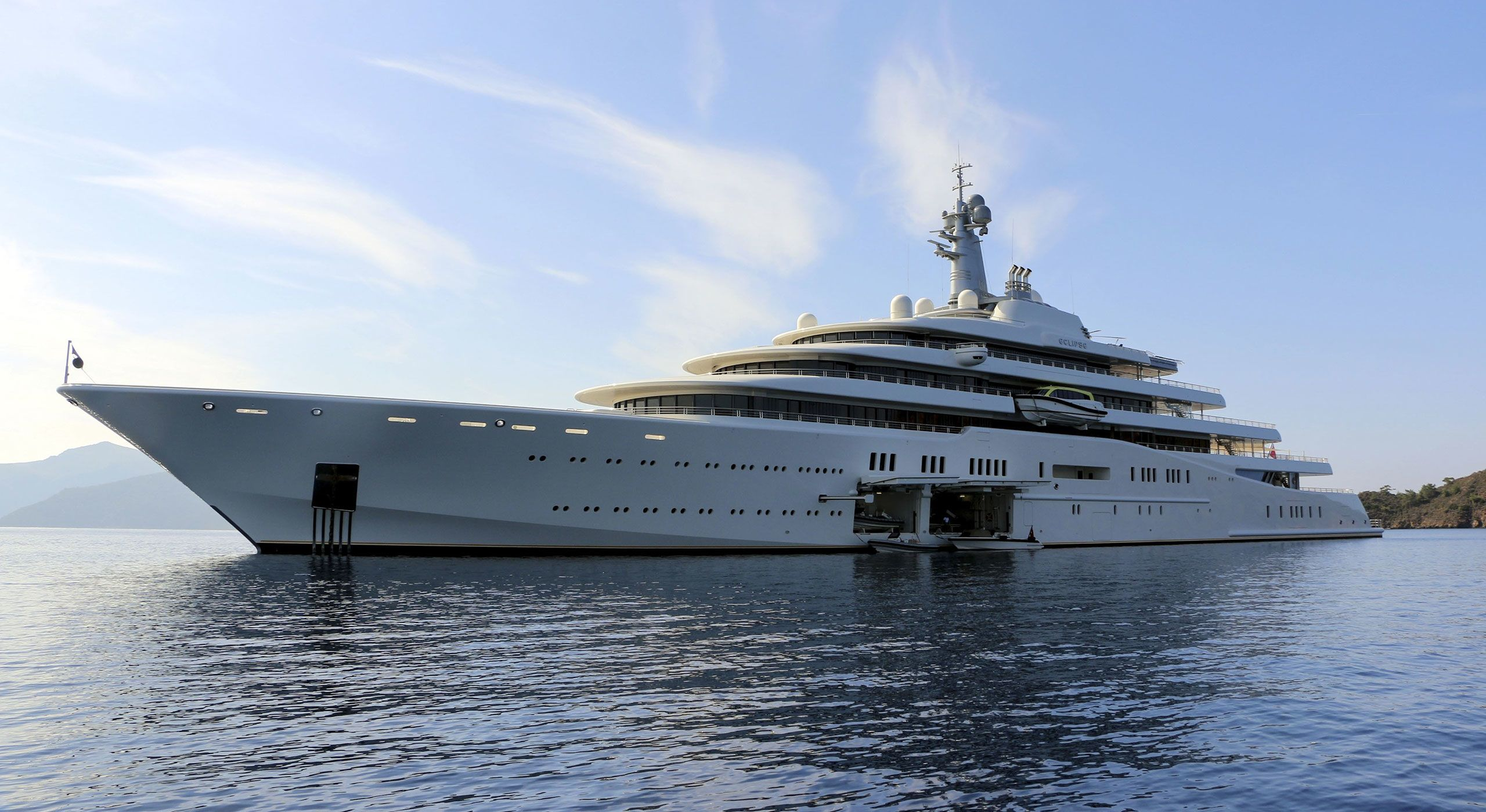 How To Buy A Superyacht Mansion Global