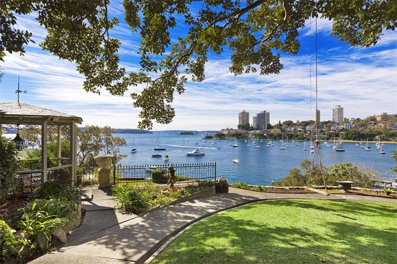 Read more Sydney luxury real estate news and browse available properties