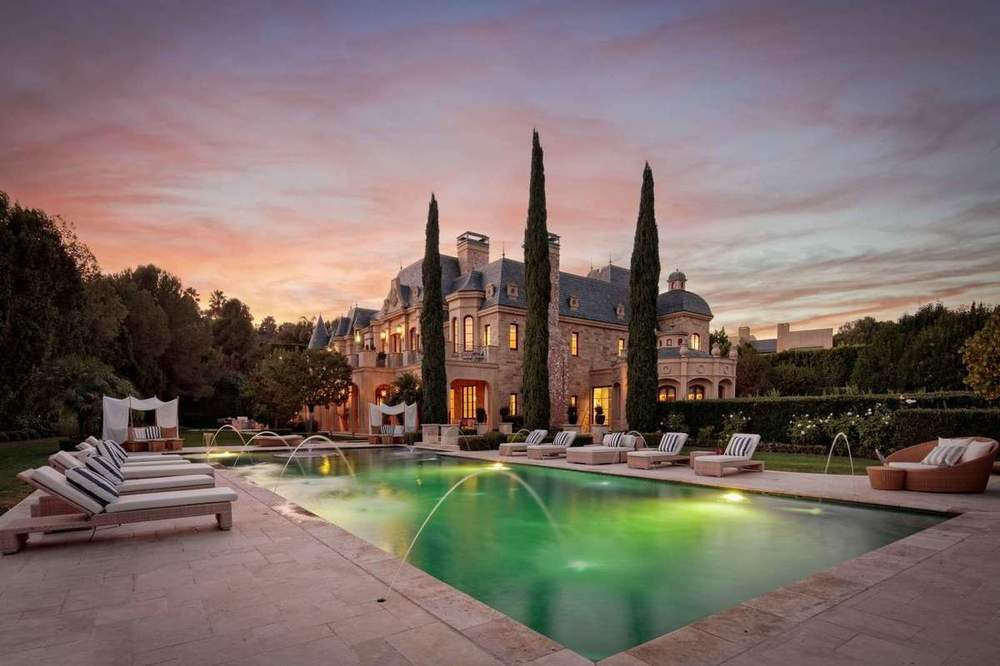 Read the latest Los Angeles luxury real estate news, browse listings and more